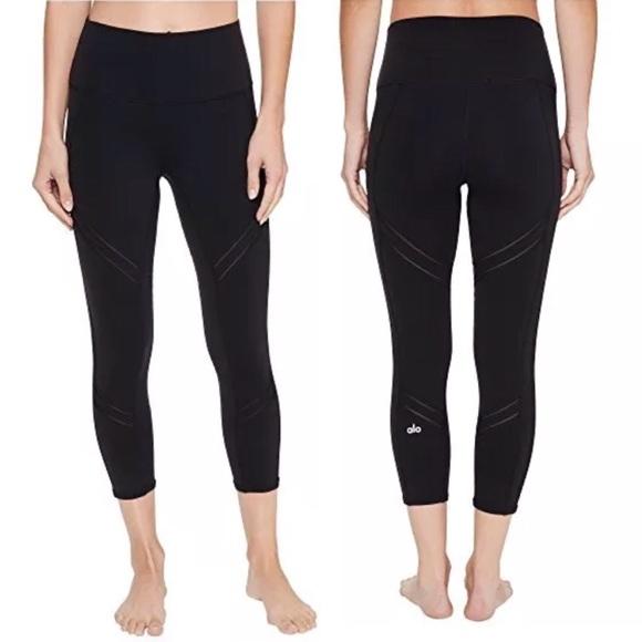2ffb7e0001cc03 ALO Yoga Pants | Nwot Alo Leggings High Waist Cosmic Capri Yoga ...